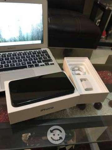 IPhone 7 Plus black de 128 gb libre con caja