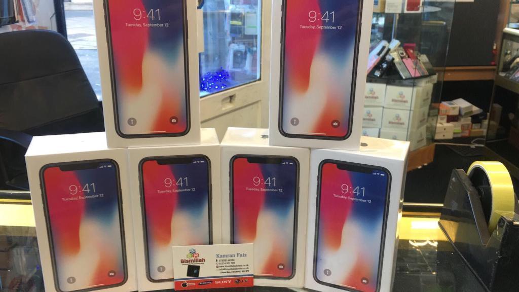 Apple iPhone X 256GB .64GB - GSM & CDMA Unlocked - USA Model - Apple Warranty - BRAND NEW!