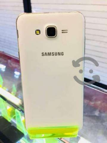 Samsung J7 libre buen estado